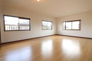 2階洋室(12帖).JPG